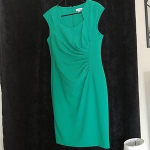 Calvin Klein Kelly Green slim fitting dress.Size 8